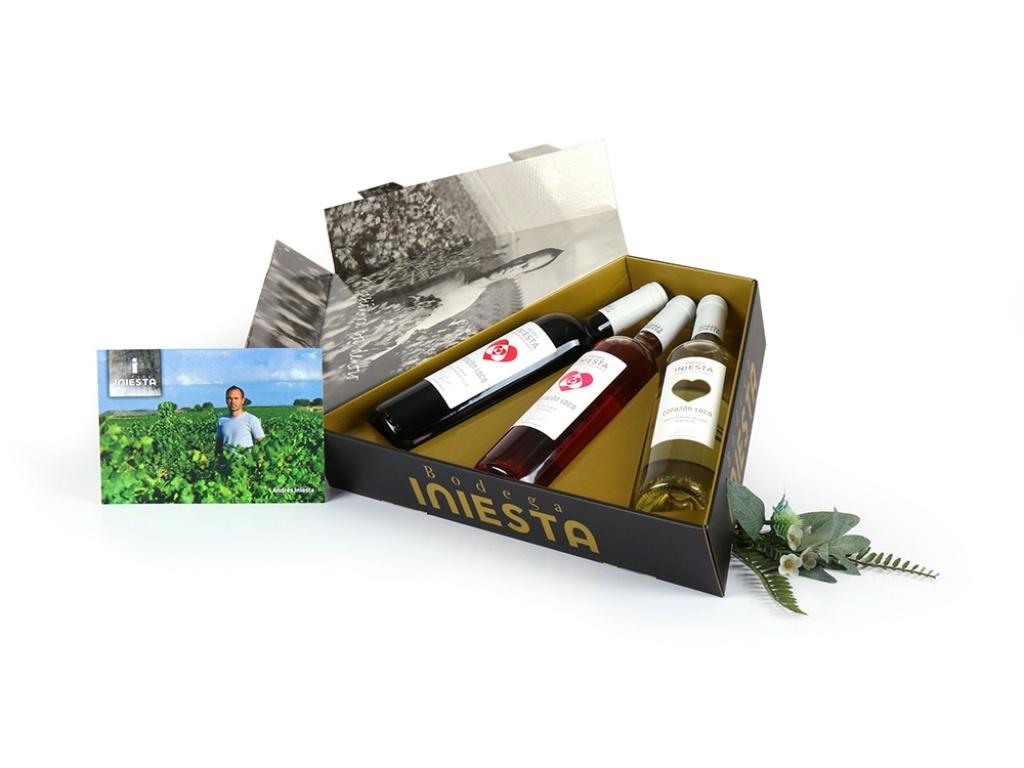Vergroot de foto van de Andr?s Iniesta wijn trio