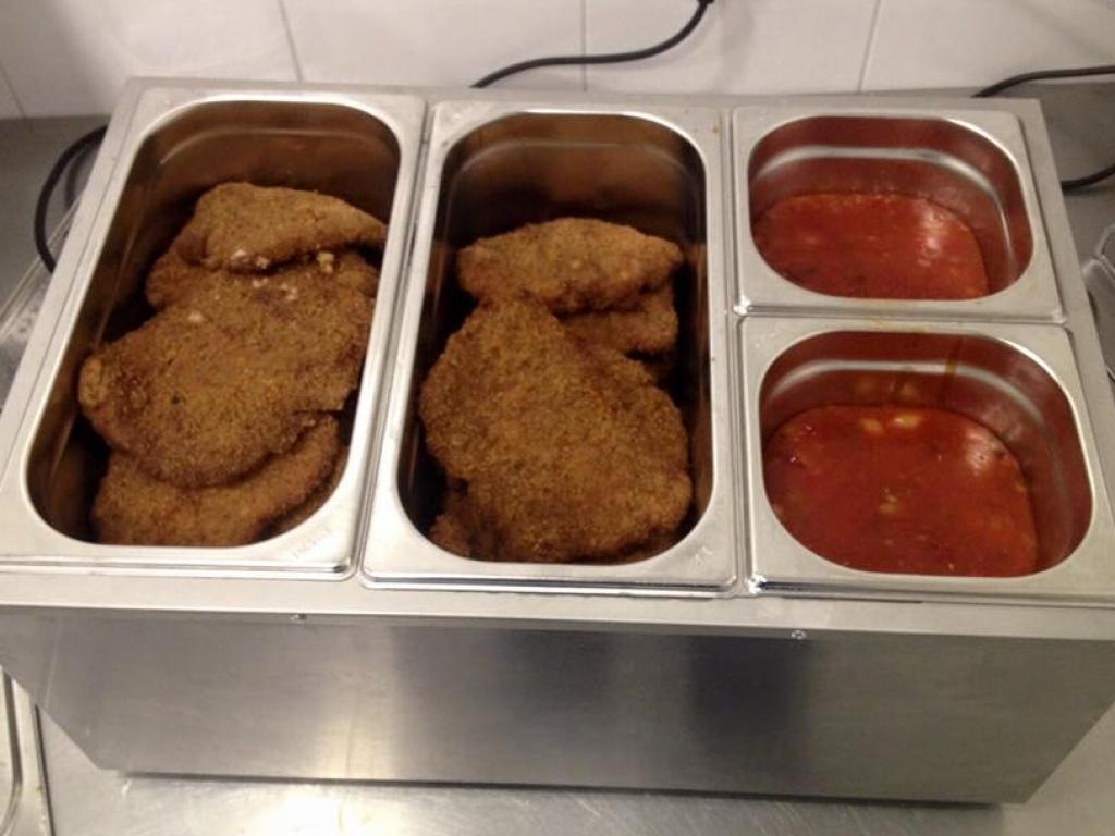 Vergroot de foto van de  Schnitzel met saus