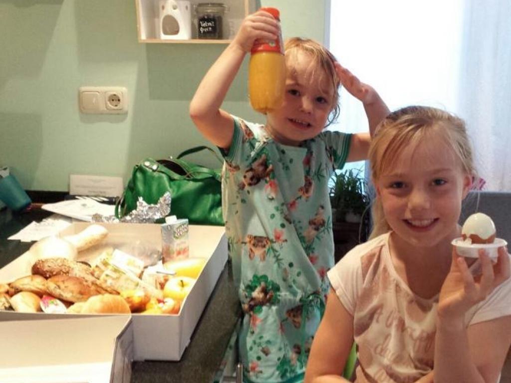 Vergroot de foto van de Kinder ontbijt