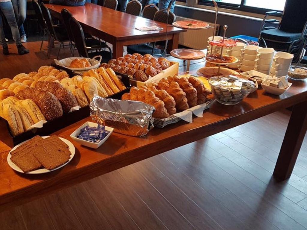 Vergroot de foto van de Luxe ontbijt - buffet voor de Brandweer