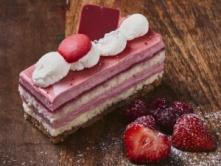 Foto van Aardbei-Framboos Bavaroise gebakje
