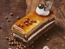 Foto van Witte chocolade - Karamel Bavaroise gebakje