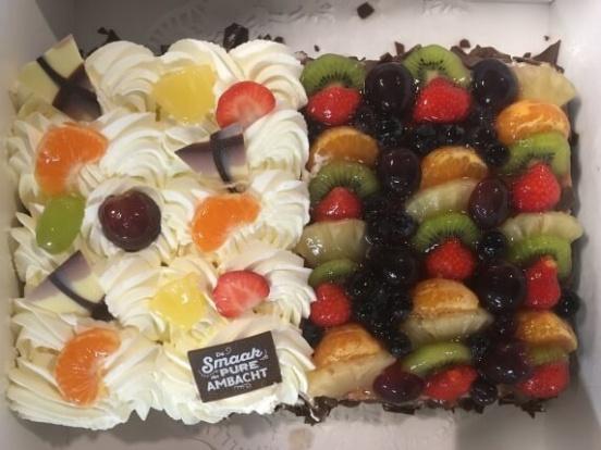 Foto van Half vruchten / half slagroomtaart 20 personen